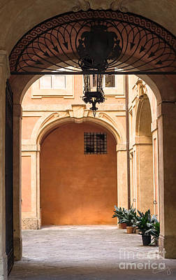 Photograph - Courtyard Of Siena by Prints of Italy