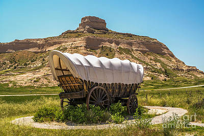 Photograph - Covered Wagon At Scotts Bluff National Monument by Sue Smith