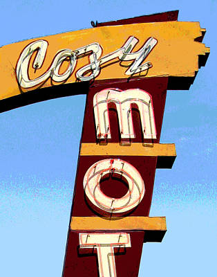 Photograph - Cozy Mot by Larry Hunter