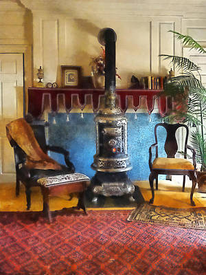 Living Rooms Photograph - Cozy Victorian Parlor by Susan Savad