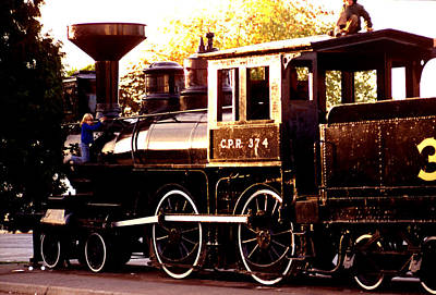 Photograph - Cpr Engine 374 by Robert  Rodvik
