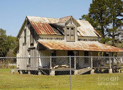Photograph - Abandoned Old Cracker House by D Hackett
