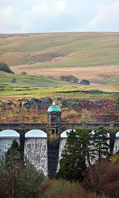 Craig Goch Dam Art Print by Linda Wright