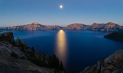 Crater Lake Moonrise Art Print