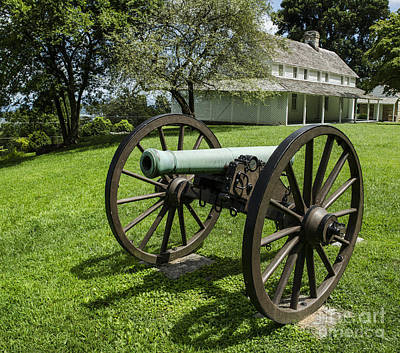 Photograph - Cravens House Cannon by Paul Mashburn