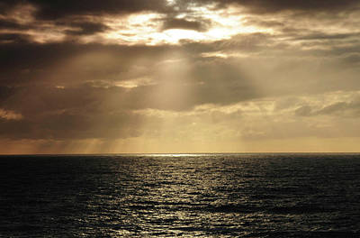Crepuscular Rays, Depoe Bay, Oregon, Usa Art Print