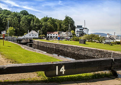 Images Photograph - Crinan Lock 14 by Alex Saunders