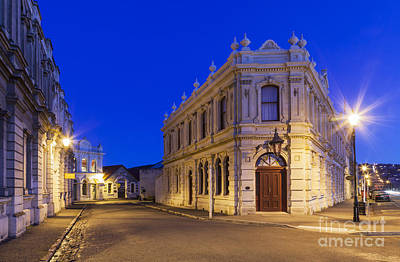 Royalty-Free and Rights-Managed Images - Criterion Hotel Oamaru New Zealand by Colin and Linda McKie