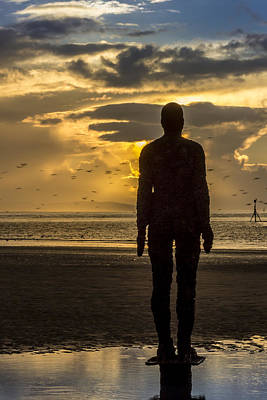 Antony Gormley Photograph - Crosby Beach Golden Skies by Paul Madden