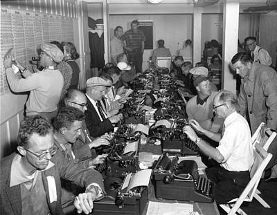 Crosby Photograph - Crosby Clambake Press Room by Underwood Archives