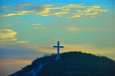 Photograph - Cross At Pensacola Beach by Vonda Barnett