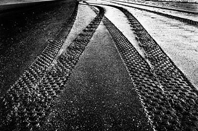 Photograph - Crossed Paths by Edgar Laureano