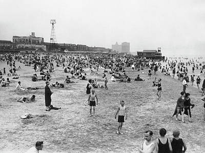 Photograph - Crowds Jam Chicago Beaches by Underwood Archives