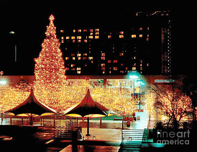 Gingrich Photograph - Crown Center Christmas - Kansas City-1 by Gary Gingrich Galleries