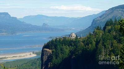 Photograph - Crown Point Vista House by Susan Garren