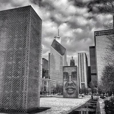 Skylines Photograph - Chicago Crown Fountain Black And White Photo by Paul Velgos