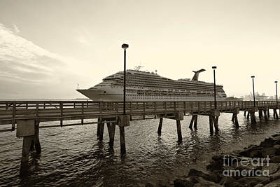 Poster Photograph - Cruise Approaching To The Bridge by Eyzen M Kim
