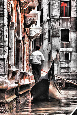 Photograph - Cruisin The Canals by Greg Sharpe
