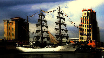 Gloria Digital Art - Gloria Sailing Out Of Tampa Florida by David Lee Thompson