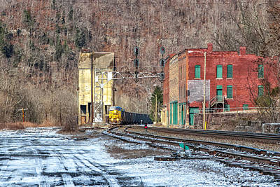 Photograph - Csx Train At Thurmond by Mary Almond