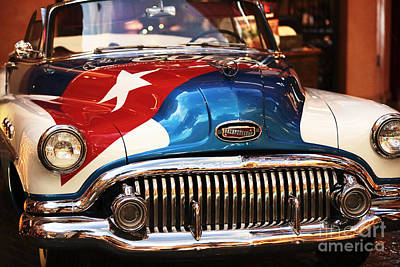 Photograph - Cuba Car by John Rizzuto