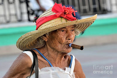 Photograph - Cuban Lady by Jola Martysz