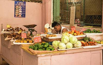 Cauliflower Photograph - Cuban Market Stall by Peter J. Raymond