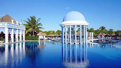 Photograph - Cuban Resort by Valentino Visentini