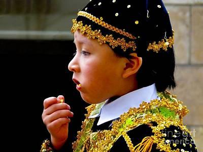 Potato Chip Photograph - Cuenca Kids 357 by Al Bourassa