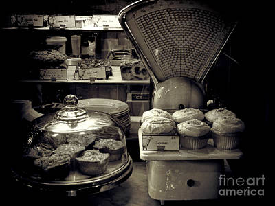 Photograph - Cupcakes For Breakfast by Karen Lewis
