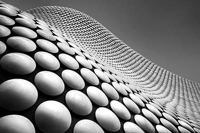 Dot Photograph - Curve by Linda Wride