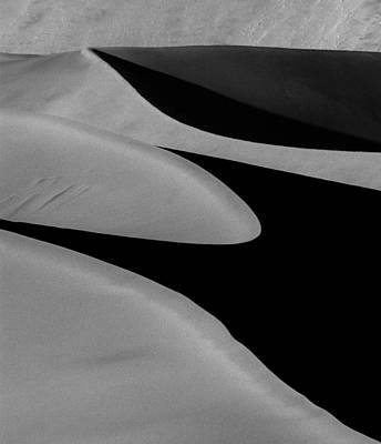 Photograph - Curves Mono by Alistair Lyne