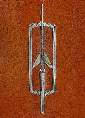 Photograph - Cutlass Emblem by Charles Beeler