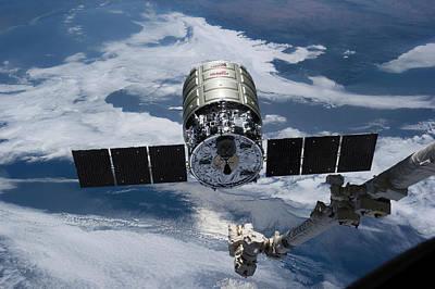 Cygnus Cargo Spacecraft Docking With Iss Art Print