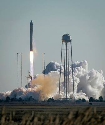 Cygnus Cargo Spacecraft Launch Art Print by Nasa/bill Ingalls