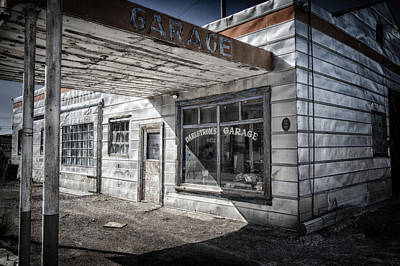 Photograph - Dahlstrom's Garage by Cat Connor
