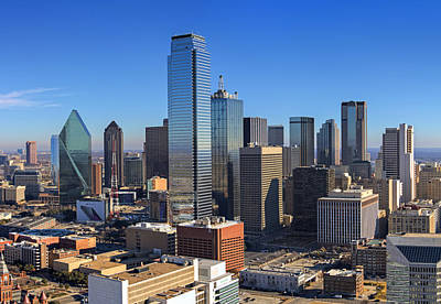 On Trend At The Pool - Dallas Skyline by Ricky Barnard