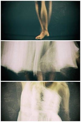 Triptych Photograph - Dance by Jonas Koel