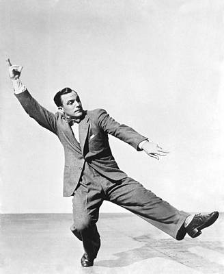 Kelly Photograph - Dancer Gene Kelly by Underwood Archives