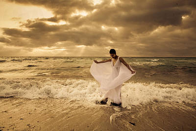 Photograph - Dancing In The Surf 2 by Matthew Pace