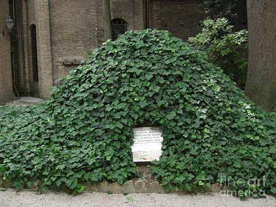 Photograph - Dante's Tomb by Deborah Smolinske
