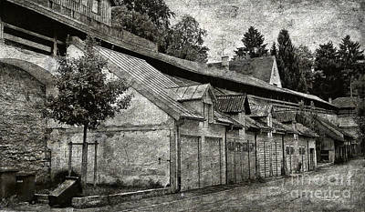 Photograph - Dark Alley by Jutta Maria Pusl