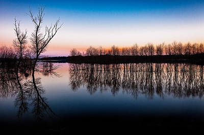 Photograph - Dawn In The Flood by David Wynia