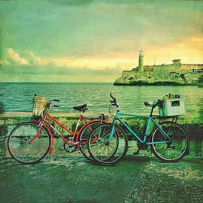 Dawn On The Havana Waterfront Art Print