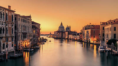 Dawn Photograph - Dawn On Venice by Eric Zhang
