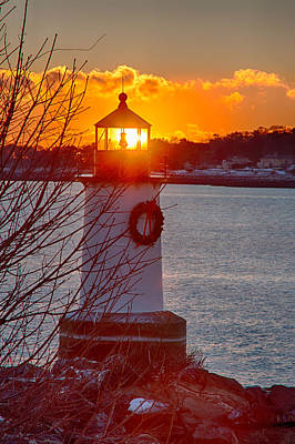 New England Lighthouse Photograph - Dawns Early Light Fills The World by Jeff Folger