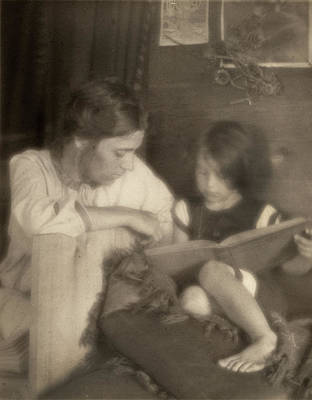 Pictorialism Photograph - Day Mother And Child, C1909 by Granger