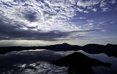Photograph - Daybreak At Crater Lake by Gary Neiss