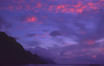 Photograph - Day's End At Na Pali by Morris  McClung