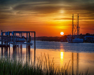 Photograph - Days End On Water by Alan Raasch
